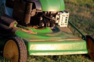 What is the dif between helicopter and lawnmower parenting?--How to avoid being one... dobibe.com