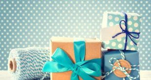 Gift Wrapping: Bows and Tags
