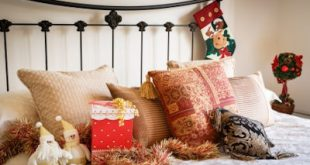Christmas Decorating Bed and Bath